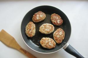 Котлеты из свинины с грибами - фото шаг 9