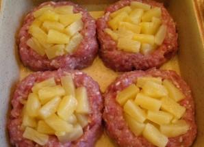 Биточки с ананасом и сыром - фото шаг 3