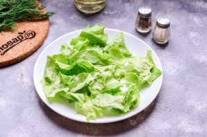 Салат с морепродуктами и помидорами - фото шаг 2