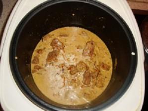 Тушеное мясо в мультиварке - фото шаг 6