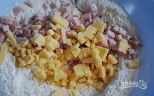 Закусочные маффины с ветчиной и сыром - фото шаг 1