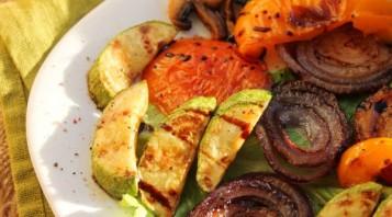 Овощи на сковороде - фото шаг 4