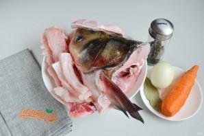 Рыбный суп с солеными огурцами - фото шаг 1