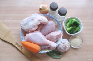 Заливное из курицы с брокколи - фото шаг 1