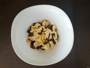 Салат с грибами и яблоками - фото шаг 2