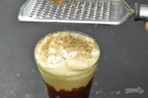 Холодный кофе с молоком и мороженым - фото шаг 7