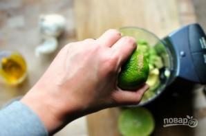 Заправка для салатов из авокадо - фото шаг 4