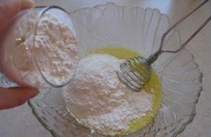 Блинчики на воде с яйцами - фото шаг 3