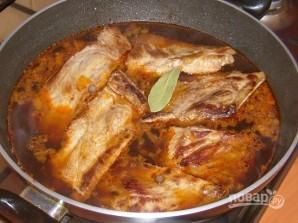 Ребрышки свиные на сковороде - фото шаг 3