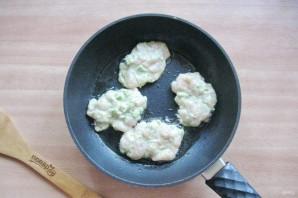 Куриные оладьи с брокколи - фото шаг 9