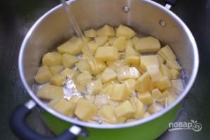 Шарики из пюре в сырной панировке - фото шаг 1