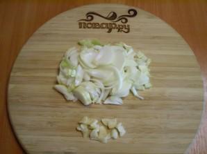 Тушеная курица с картошкой в мультиварке - фото шаг 2