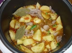 Картофель с овощами в мультиварке - фото шаг 6