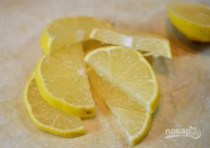 Острый сыр на лимонных дольках - фото шаг 1