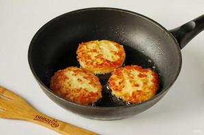 Картофельные оладьи с сыром - фото шаг 8