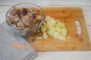 Мясные ватрушки с грибами и сыром - фото шаг 3