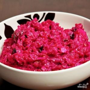 Свекольный салат с черносливом и грецкими орехами - фото шаг 11