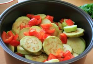 Грибы с овощами в мультиварке - фото шаг 7