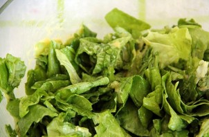 Салат с тунцом копченым - фото шаг 3