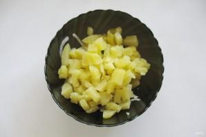 Салат с солеными баклажанами и картофелем - фото шаг 6