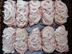Свинина по-французски в духовке - фото шаг 4