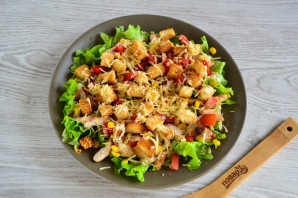 Салат с гренками - фото шаг 12