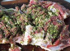 Мясо с розмарином в духовке - фото шаг 3