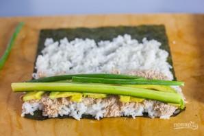 Консервированный тунец с рисом и авокадо - фото шаг 5