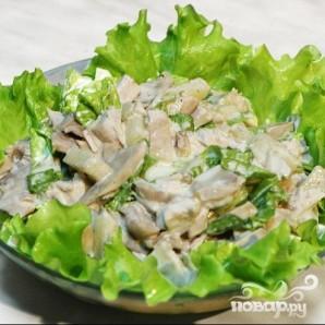 Салат из курицы с огурцом и кукурузой - фото шаг 5