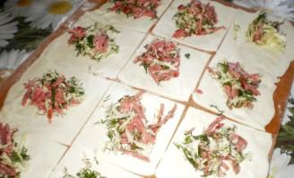 Пирожки с колбасой и сыром - фото шаг 3
