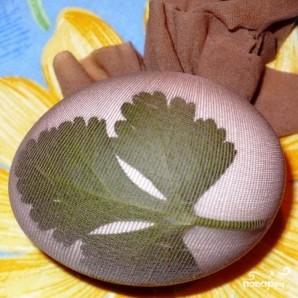 Пасхальные крашеные яйца - фото шаг 7