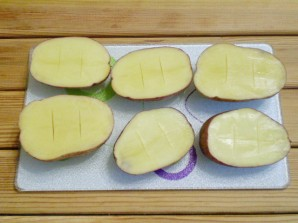 Картошка с салом и чесноком в духовке - фото шаг 4