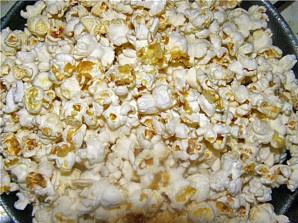 Попкорн на сковороде - фото шаг 2