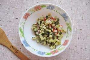 """Салат """"Лаура"""" с крабовыми палочками и яблоком - фото шаг 3"""