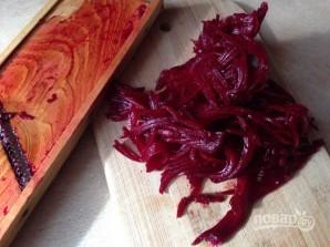Салат из вареной свеклы и моркови - фото шаг 4