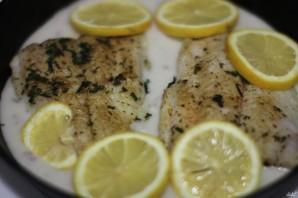 Рыба в сметанном соусе в духовке - фото шаг 5