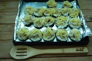 Баклажаны, фаршированные курицей и грибами - фото шаг 5