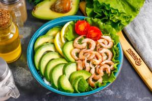 Поке с авокадо и креветками
