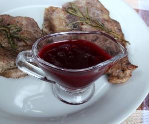 Брусничный соус к мясу - фото шаг 3
