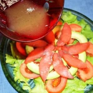 Салат с красной рыбой - фото шаг 9