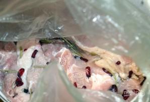 Свинина с барбарисом в духовке - фото шаг 4