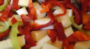 Кабачки с картошкой тушеные - фото шаг 7