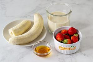 Бананово-ягодный смузи - фото шаг 1