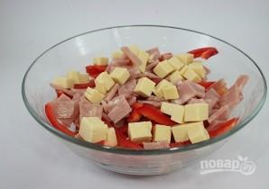 Сырный салат с ветчиной и овощами - фото шаг 4