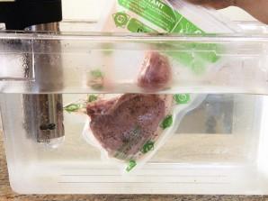 Свиные стейки су-вид - фото шаг 2