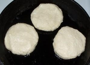 Сырники со сметаной - фото шаг 3