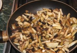 Суп с баклажанами и грибами   - фото шаг 4