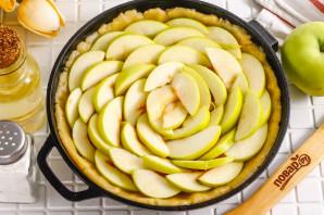 Песочный пирог с вареньем и яблоками - фото шаг 6