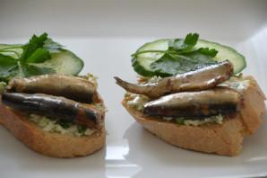 Бутерброды с копченым сыром - фото шаг 7