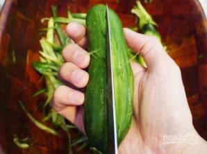 Острый огуречный салат - фото шаг 1